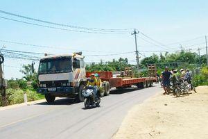 Quá giang xe máy, một phụ nữ không may tử vong do tai nạn ở Bình Định