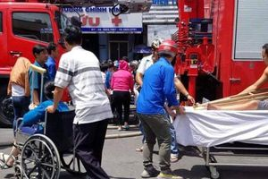 Cháy lớn KTX trường cao đẳng, sơ tán hàng chục bệnh nhân đang điều trị