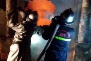 Hà Nội: Cảnh sát đục tường giải cứu hai người trong vụ cháy