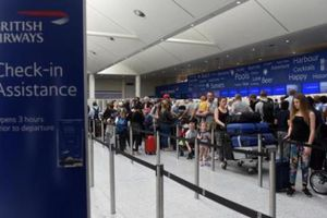 Sân bay Gatwick nối lại các chuyến bay sau trục trặc kỹ thuật