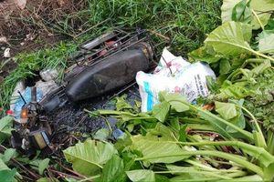 Bàng hoàng phát hiện người phụ nữ tử vong dưới mương nước cạnh chiếc xe máy