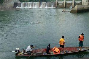 Gia đình nạn nhân lật thuyền ở đập thủy điện được hỗ trợ gần 700 triệu đồng