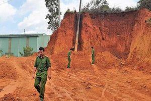 Phát hiện hầm đạn cối dưới chân đèo Bảo Lộc