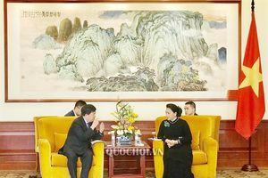 Chủ tịch Quốc hội Nguyễn Thị Kim Ngân tiếp lãnh đạo Tập đoàn Viễn thông Trung Hưng (zte) và công ty Data Tang