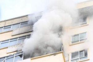 Hà Nội: Cháy căn hộ ở tầng 15 chung cư B10A Nam Trung Yên