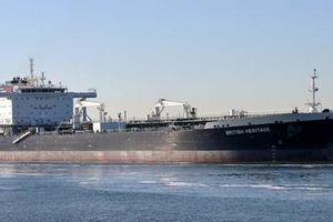 Mỹ tố Iran dùng xuồng vũ trang bắt 'hụt' siêu tàu dầu của Anh