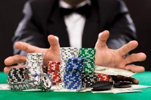 AI đã biết chơi poker, đánh thắng những người giỏi nhất thế giới