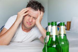 Tại sao bạn thường không nhớ gì khi say rượu?