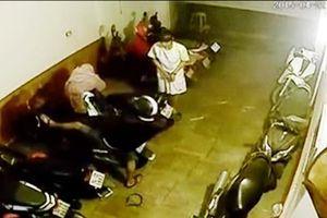 Trộm đột nhập nhà trọ ở Sài Gòn lấy 9 xe máy trong đêm