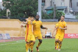 Rimario lập cú đúp, Thanh Hóa giành trọn ba điểm trên sân nhà
