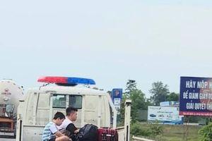 Xe CSGT Hà Tĩnh 'làm xiếc' trên đường QL1A