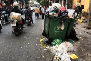 Những hình ảnh bẩn nhất đường phố, lãnh đạo Hà Nội có biết không?