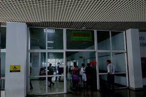 Đắk Lắk: Hỏi đường nhưng không nghe rõ, người nhà đánh luôn nhân viên y tế