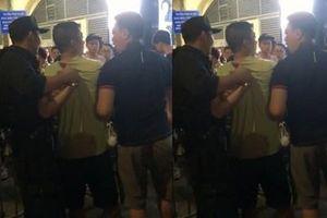 Một Cảnh sát Cơ động bị tấn công trọng thương khi đi tuần tra