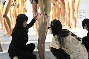 Để đăng quang Hoa hậu, H'Hen Niê, Đỗ Mỹ Linh … từng phải 'cởi đồ' để làm điều cực quan trọng này!