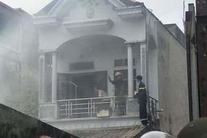 Hà Nam: Hé lộ nguyên nhân ngôi nhà bốc cháy dữ dội lúc giữa trưa