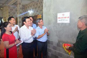 Nguyên Chủ tịch nước Trương Tấn Sang thăm gia đình các CCB huyện Vị Xuyên, Hà Giang