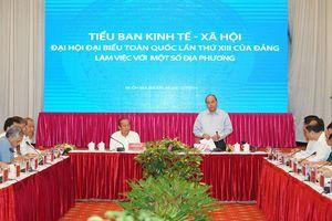 Thủ tướng chủ trì họp Tiểu ban KT-XH với các địa phương