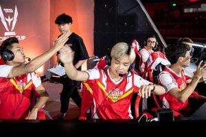Khán giả vỡ òa khi chứng kiến tuyển Việt Nam cho Thái Lan Wildcard ăn nồi lẩu siêu cay khổng lồ