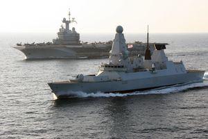 Hải quân Anh điều tàu chiến thứ hai đến gần Iran