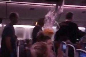 Máy bay Canada gặp nhiễu động mạnh, khách đập đầu vào trần máy bay