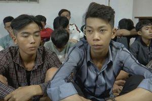61 thanh niên bị cảnh sát vây bắt khi cổ vũ đua xe trái phép