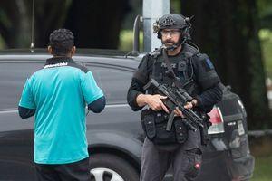 New Zealand cấm vũ khí bán tự động, trả tiền cho dân để mua lại súng