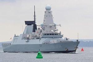 Khu trục hạm của Anh vô hiệu hóa tên lửa Iran?