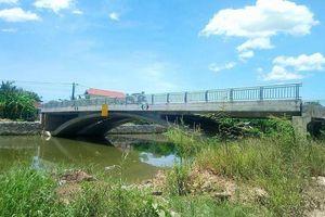 Thừa Thiên - Huế: Cầu 32 tỷ đồng xây xong chỉ để... ngắm