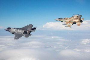 Israel đang chuẩn bị đối đầu quân sự Iran?
