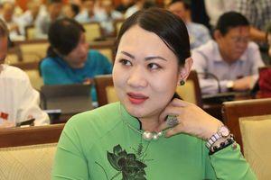 Đại biểu đề xuất 'dùng lu' rớm nước mắt: 'Nhật, Philippines đều dùng lu chống ngập'