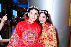 HOT : Đông Nhi và Ông Cao Thắg bất ngờ được tổ chức đám cưới ngay tại sân bay sau khi trở về từ Mỹ