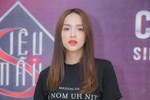 Không váy áo lộng lẫy, hoa hậu Hương Giang vẫn thần thái ngút ngàn Casting Siêu mẫu Việt Nam 2019