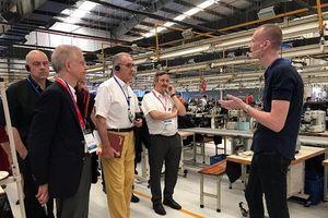 Đoàn đại biểu cấp cao Thụy Sỹ thăm nhà máy may tại Đồng Nai