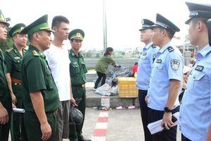 Bàn giao ngư dân Trung Quốc bị nạn trên biển Việt Nam