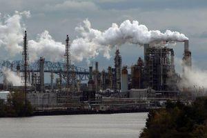Căng thẳng tại Trung Đông kéo dài đẩy giá dầu tăng gần 4% trong tuần