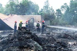 Hỏa hoạn tại nhà xưởng ở Hà Nam và cây xăng ở Cà Mau