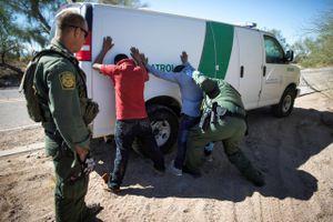 Mỹ bắt đầu chiến dịch truy quét người nhập cư trái phép