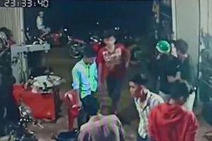 Bình Phước: Điều tra vụ côn đồ xông vào nhà, đánh 2 người thương tích