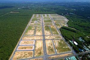 'Nở rộ' phân lô bán nền tạo sốt đất ảo: Cò đất đã lợi dụng lỗ hổng pháp luật như thế nào?