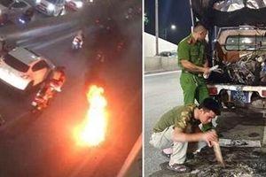 Cháy xe tại hầm chui Kim Liên, chủ xe bỏ chạy