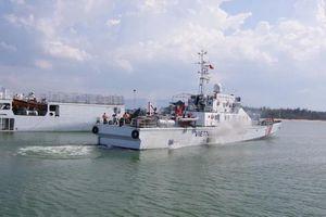 Bộ Tư lệnh Cảnh sát biển điều tàu cứu 6 ngư dân Quảng Ngãi