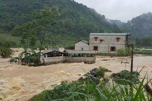 Hàng trăm ngôi nhà bị ngập do mưa lũ ở Cao Bằng