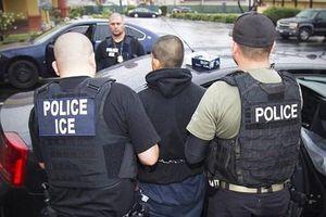 Mỹ truy quét người nhập cư không đủ giấy tờ tùy thân