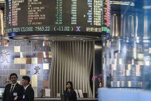 Cổ phiếu châu Á giảm mạnh khi kinh tế Trung Quốc tăng trưởng yếu nhất trong 27 năm