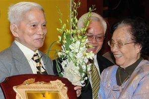 GS. Hoàng Tụy trăn trở với nền giáo dục Việt Nam