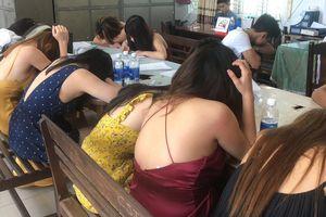 Đột kích karaoke Chợt Nhớ, phát hiện kiều nữ phục vụ, ma túy
