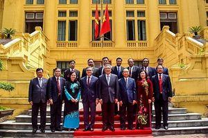 Chánh án TANDTC Nguyễn Hòa Bình hội đàm với Chánh án TANDTC Lào