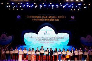 Toàn cảnh Lễ vinh danh và trao giải thưởng du lịch Việt Nam năm 2019