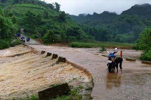 Nhiều tuyến đường tại Lai Châu tê liệt do mưa lớn kéo dài